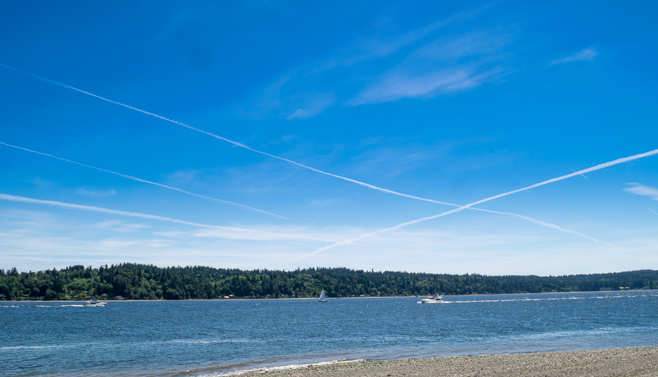 Contrail low tide-5678